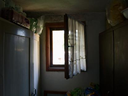 5-back-room